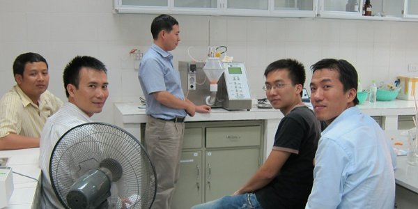hanoi-medical-university-a-caleva-mini-coater-drier-is-used-regularly-at-this-site_lrg